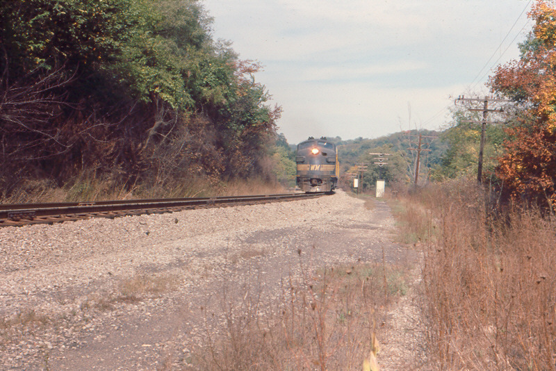 WM F-units on N&W at Oak, PA