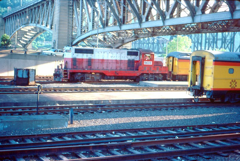 WM GP7 5633 at Pittsburgh, PA