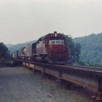 WM SD40 7448 on N&W at Oak, PA